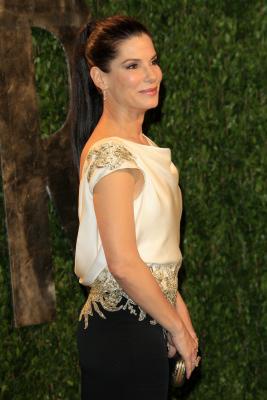 arrives at the 2012 Vanity Fair Oscar Party