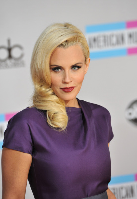 Jenny McCarthy | American Music Awards 2011 Arrivals
